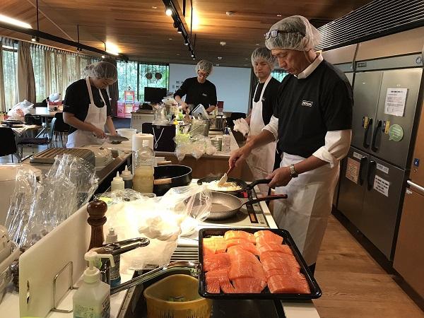 総料理長も参加のミールプログラム